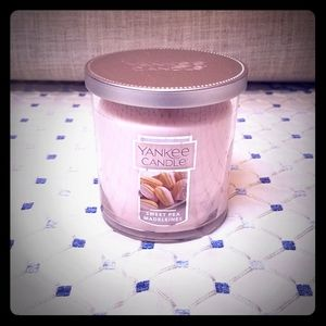 NEW Yankee Candle in Sweet Pea Madelaines